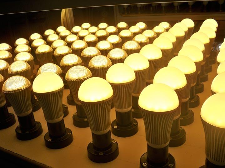 много лампочек в одном месте