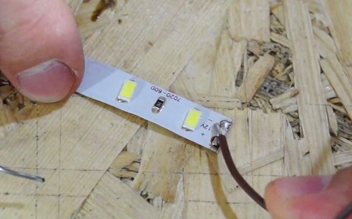 какая должна быть длина зачищенного участка провода при пайке на лед ленте