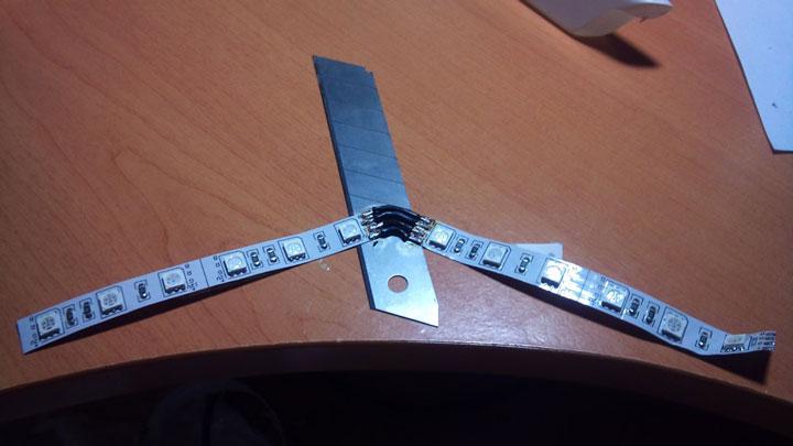 соединение двух светодиодных лент под произвольным углом пайкой