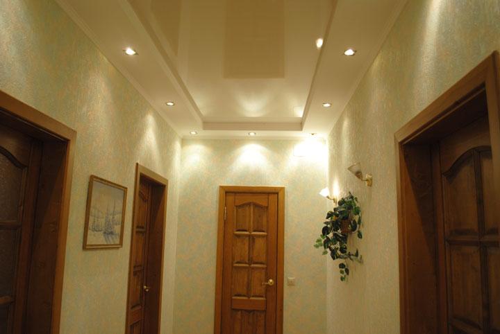 как разместить светильники в коридоре