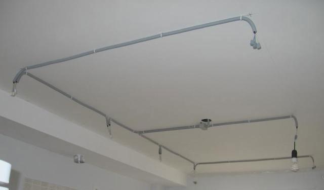трасса кабеля освещения светильников