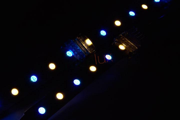 соединенные светодиодные ленты через коннекторы
