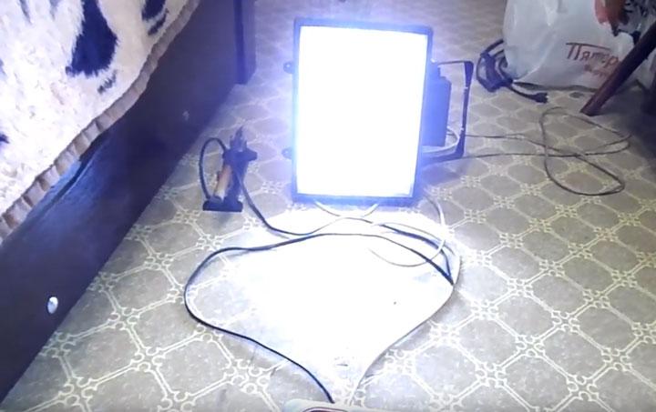 прожектор с лед лентами на 12в