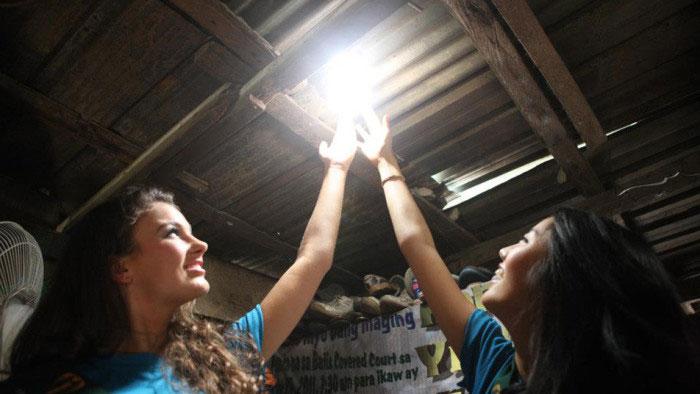 филиппинский фонарь в гараже