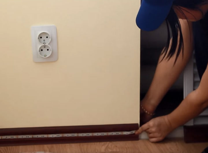 где спрятать блок питания и контроллер от светодиодной ленты при подсветке пола