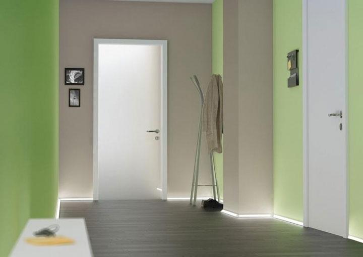 вариант подсветки пола светодиодной лентой