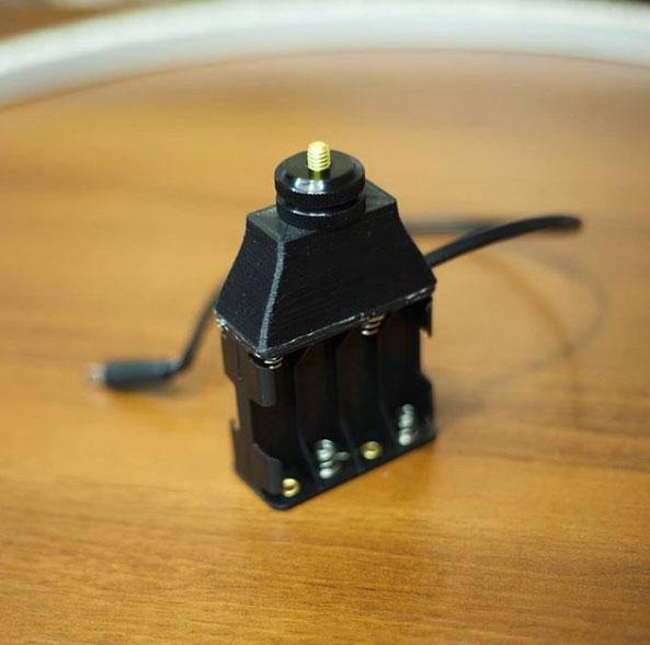 самодельный держатель для батареек на кольцевой свет