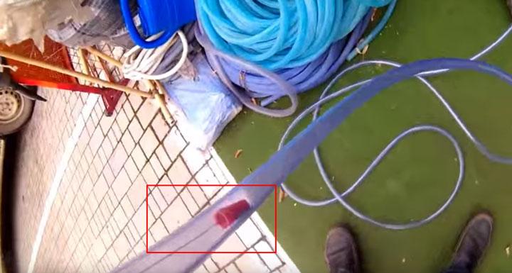 монтаж ленты в шланге для бассейна