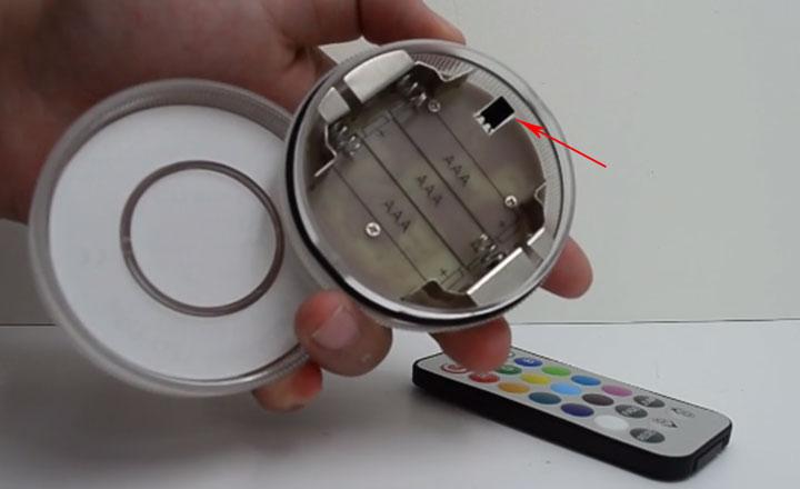 светильник на батарейках с пультом для освещения бассейнов
