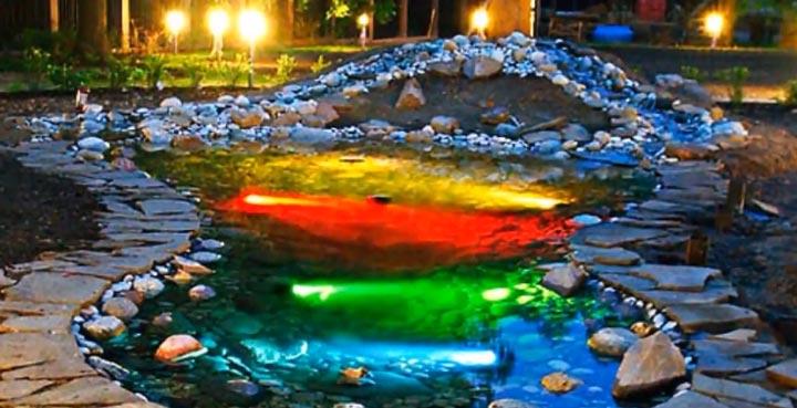 подсветка водоема и пруда перед домом