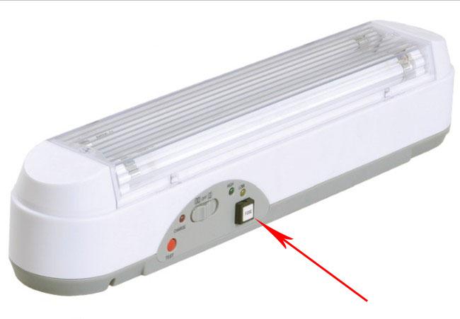 аварийный светильник с кнопкой тестирования
