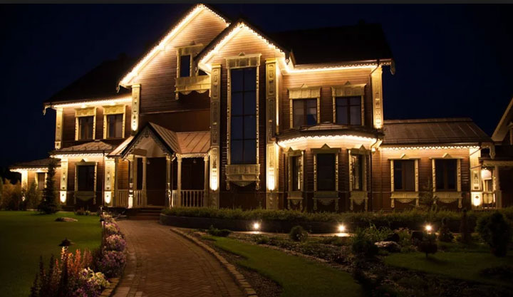 освещение придомовой территории прожекторами