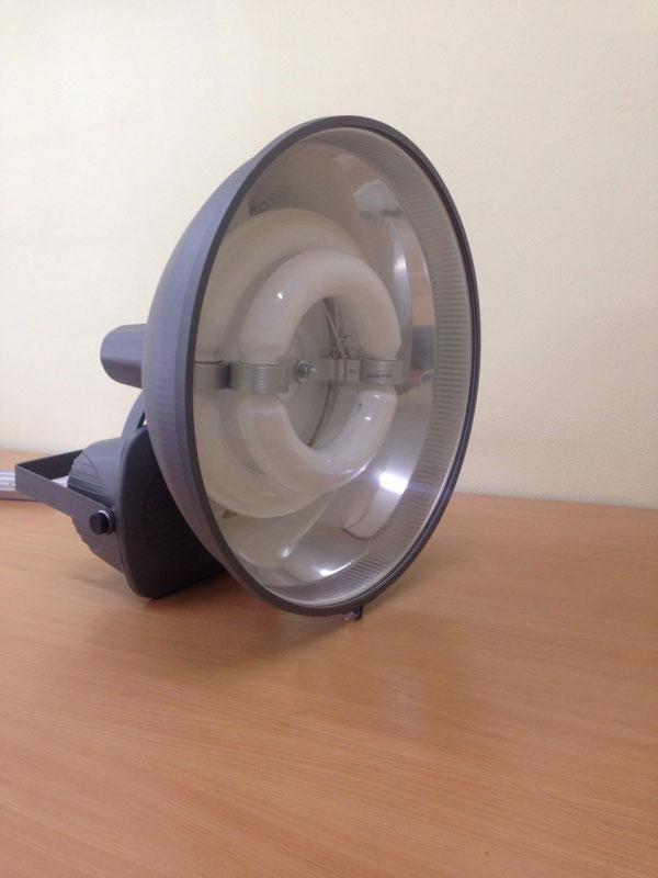 индукционный мощный прожектор