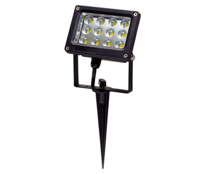 прожектор освещения для установки в землю на дачном участке