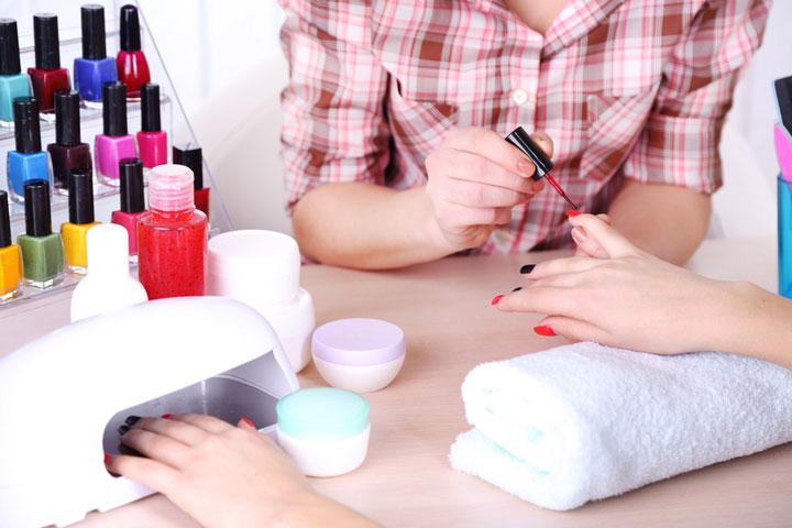 как правильно работать с лампами для сушки ногтей