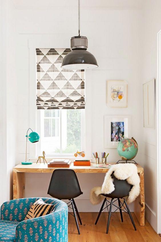 общее освещение для рабочего стола школьника и настольный светильник
