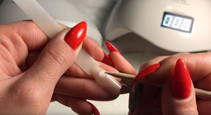 быстрое затвердевание и полимеризация в каких лампах для сушки лака и ногтей
