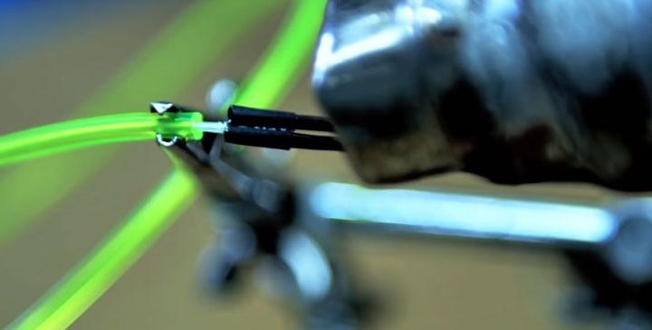 соединение и подключение жил питания с неоновым шнуром