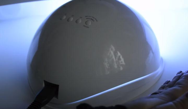 плохая плотность прилегания крышки к дну лампы для сушки лак гелей SUN