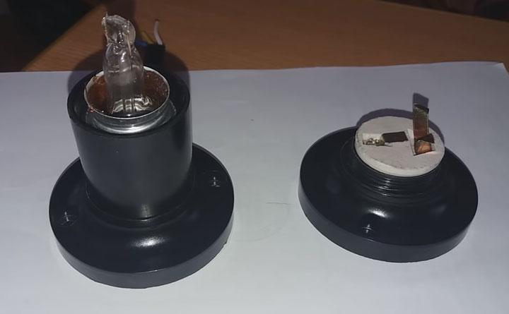 разбилась лампочка в патроне нужно выкрутить
