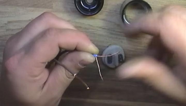 подсоединение многожильного провода с патрону освещения