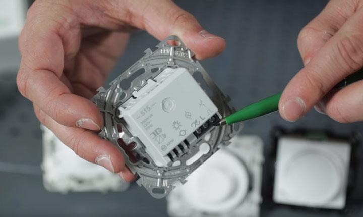 диммер с возможность дополнительного подключения выключателя света