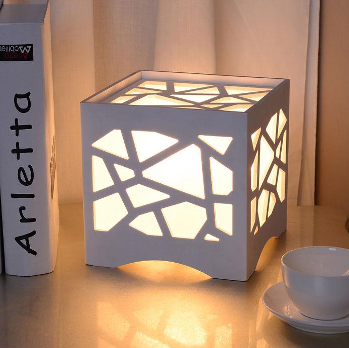 светодиодный ночник на стол в виде куба