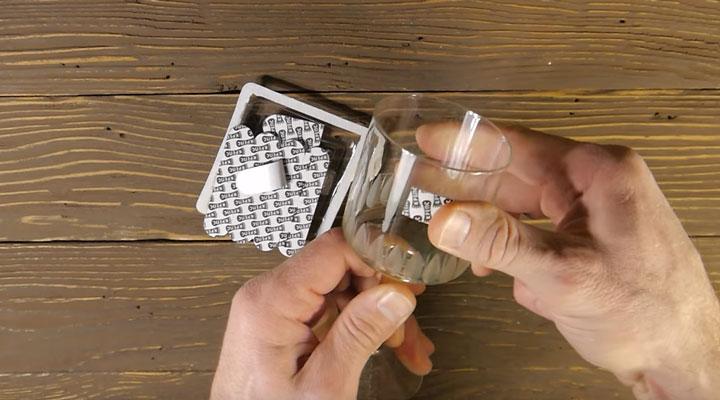 проверка липучки крепс на стекле