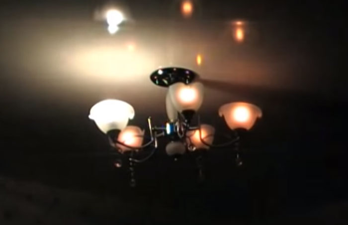 разница свечения лампочки накаливания и светодиодной при минимуме яркости в одной люстре