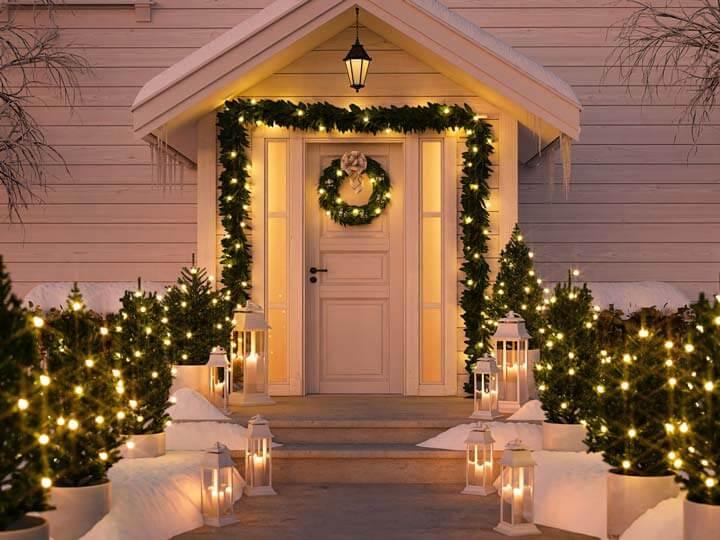украшение входа в дом на новый год