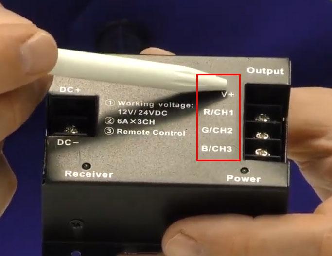 куда подключается плюсовой провод на RGB контроллере
