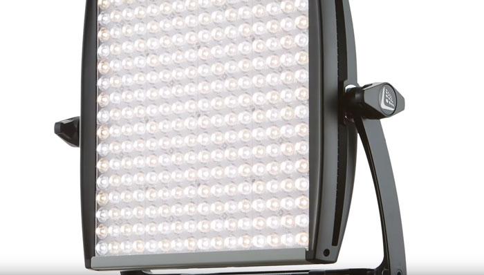 хорошие светодиодные лед панели на 600 светодиодов для подсветки видеоблога