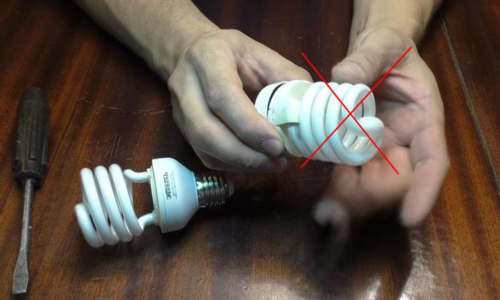 разбор экономки энергосберегающей лампочки как правильно