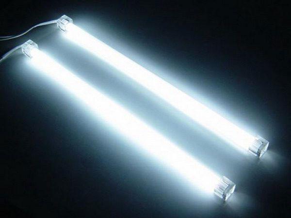 свет от ламп дневного света
