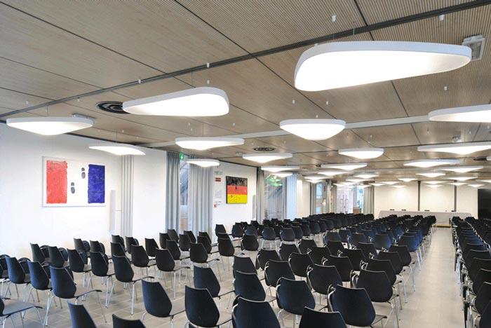 звукопоглощающий светильник в конференц зале