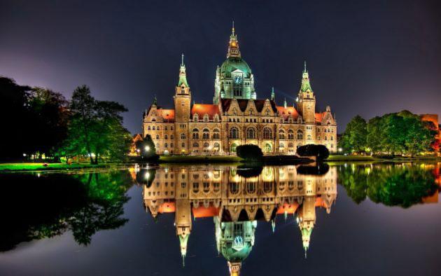 заливающее освещение памятников архитектуры