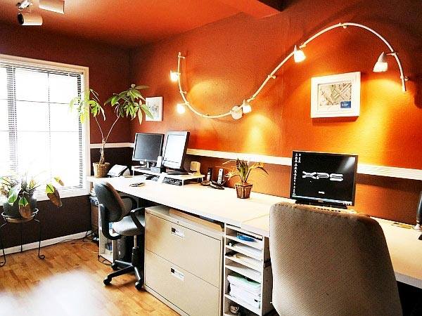 правильное освещение пространства вокруг компьютера