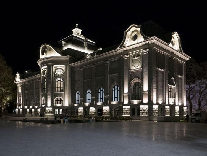 подсветка фасадов зданий12