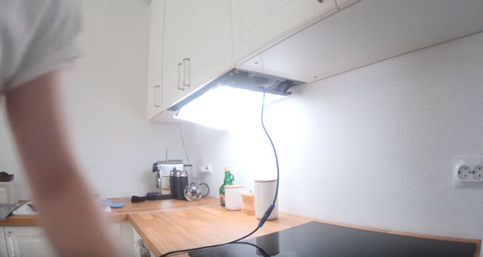 гибкий лед свет на кухне над столешницей