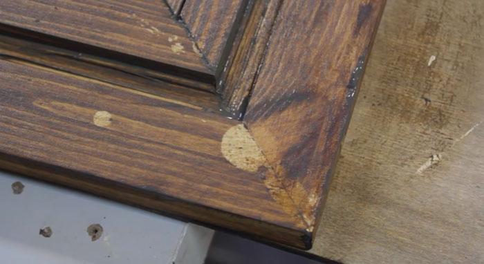 почему нужно вытирать клей при сборке деревянной рамы зеркала визажиста
