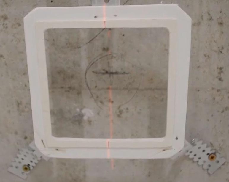 выравнивание светильников на потолке по уровню