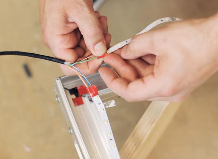 изолирование мест пайки проводов на светодиодной ленте
