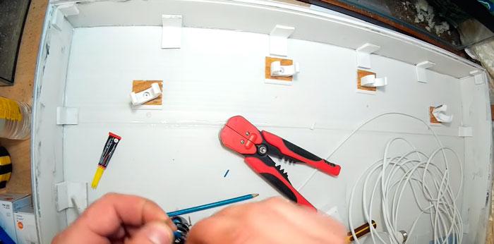 как закрепить патроны на крышке аквариума