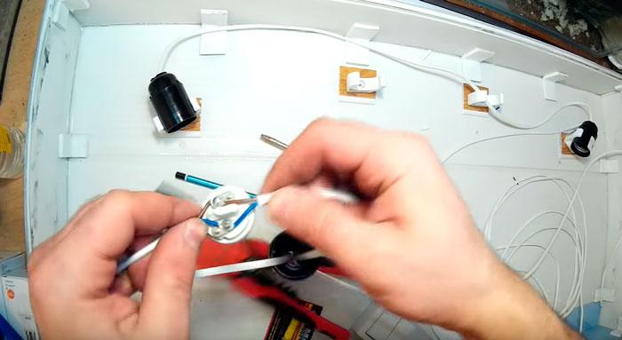 подключение патронов на крышке аквариума