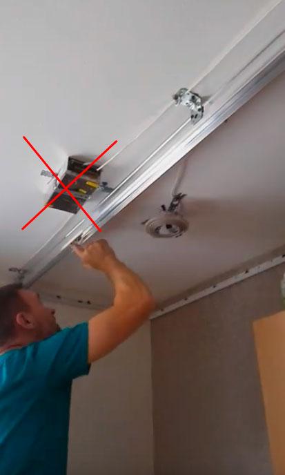 почему блок питания светодиодной ленты нельзя прятать за подвесным потолком