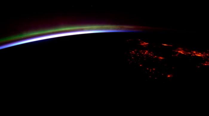 озоновый слой на поверхности земли