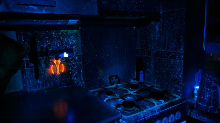 кухня в ультрафиолетовом свете