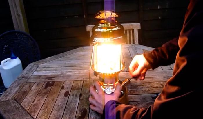 как ярко светит калильная лампа