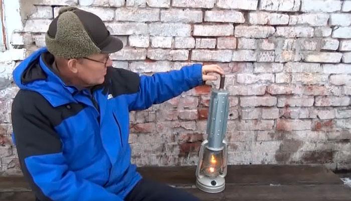 трубка для отвода газов с керосиновой лампы обогревателя