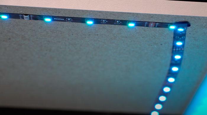 петля из светодиодной ленты при повороте